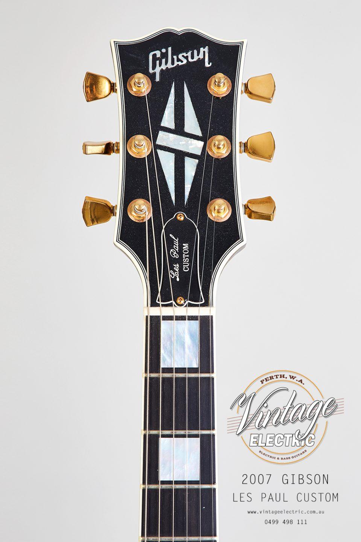 2007 Gibson Les Paul Custom Black Headstock